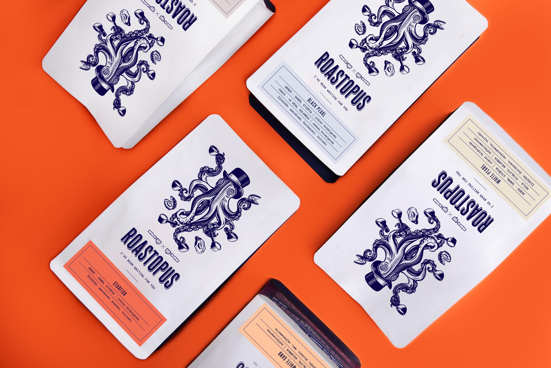 3b1b9a85ba Szeretnénk nektek röviden bemutatni, hogy milyen folyamat zajlik le nálunk  egy-egy kávé megalkotása közben, a minták kiválasztásától a csomagolásig.